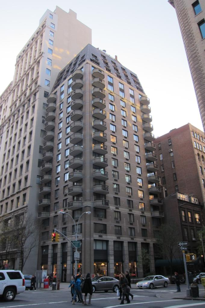 Midtown condo apartments for sale in nyc manhattan new for Condos for sale in new york